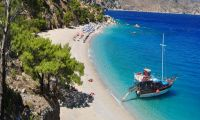 Enjoy the beauty of the Greek islands